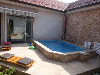 Kuća 395m² Miljakovac